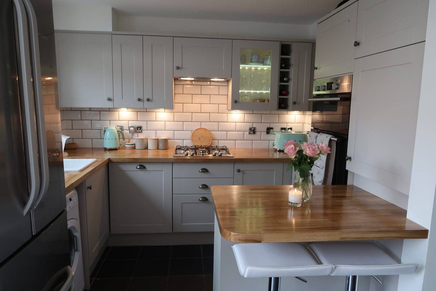 howdens kitchens reviews our howdens burford kitchen reveal somewhere 392