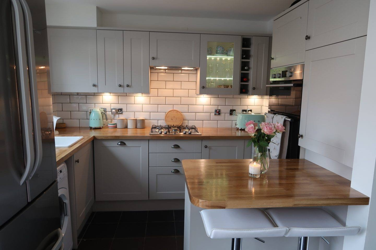 Our dream howdens burford kitchen reveal somewhere for Kitchen pics