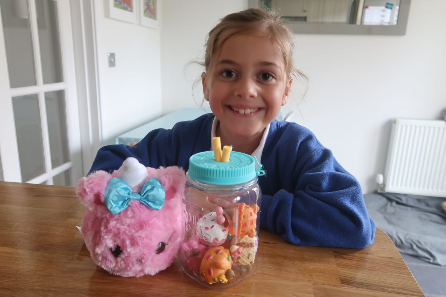 Num Noms #SURPRISEINAJAR | REVIEW