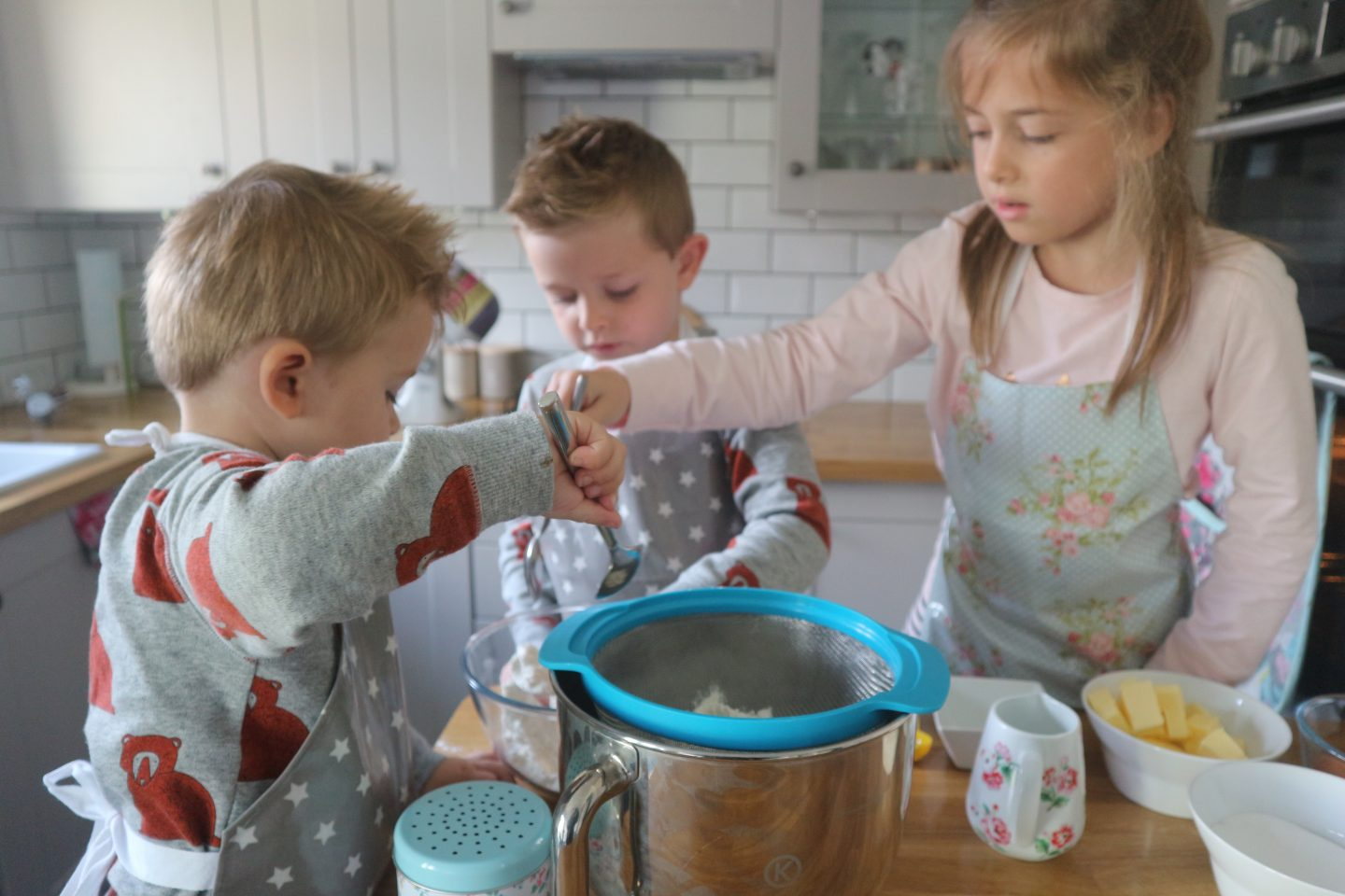 Messy Me Review | Gorgeous Oilcloth Products for Children